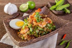 wing bean shrimp salad photo