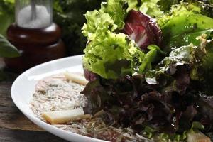 Carpaccio, parmesan, lettuce food photo