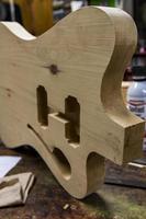 nueva york, estados unidos, 16 de agosto de 2016 - detalle del taller de guitarras carmine street en nueva york. En la tienda hay guitarras personalizadas de estilo vintage hechas a mano por el luthier rick kelly. foto