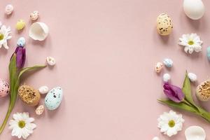 frontera flores pintadas huevos foto