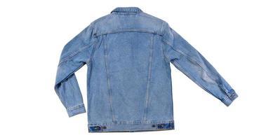 Vista posterior - chaqueta de jeans azul aislado sobre fondo blanco, chaqueta de mezclilla de cerca, foto