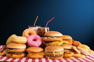 múltiples tipos de comida rápida foto