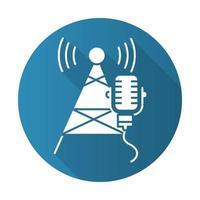 icono de glifo de larga sombra de diseño plano azul de la industria de radiodifusión. telecomunicaciones y redes. señal de onda sonora. torre de telecomunicaciones y micrófono. noticias, radio. ilustración de silueta de vector