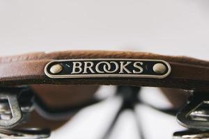Belgrado, Serbia, 18 de abril de 2018 - Detalle del sillín de bicicleta Vintage Brooks England en Belgrado, Serbia. brooks england es un fabricante de sillines de bicicleta fundado en 1866 en birmingham. foto