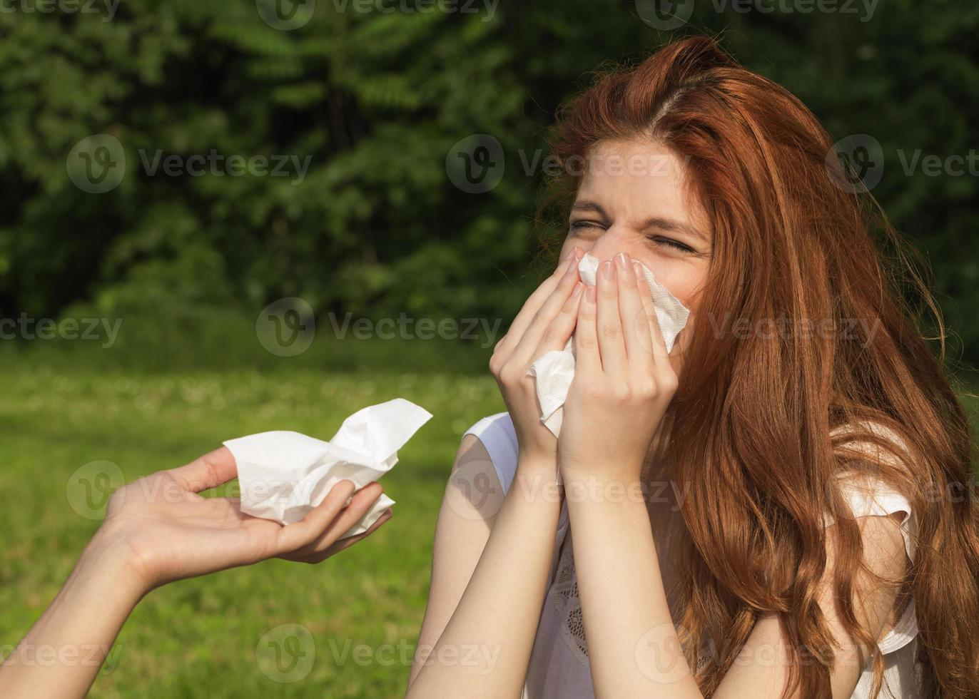chi soffre di allergie foto