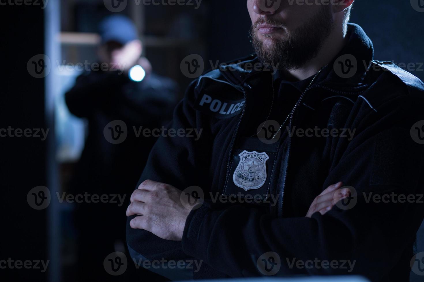 agenti di polizia sull'intervento foto