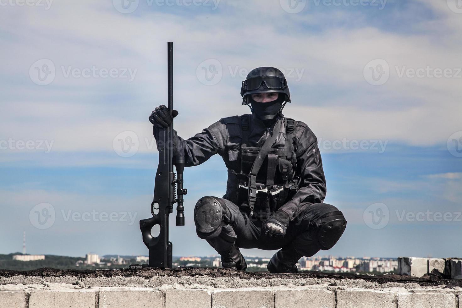 cecchino della polizia Swat foto
