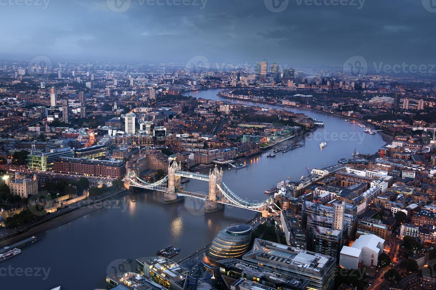 vista aerea di Londra con il Tower Bridge, Regno Unito foto