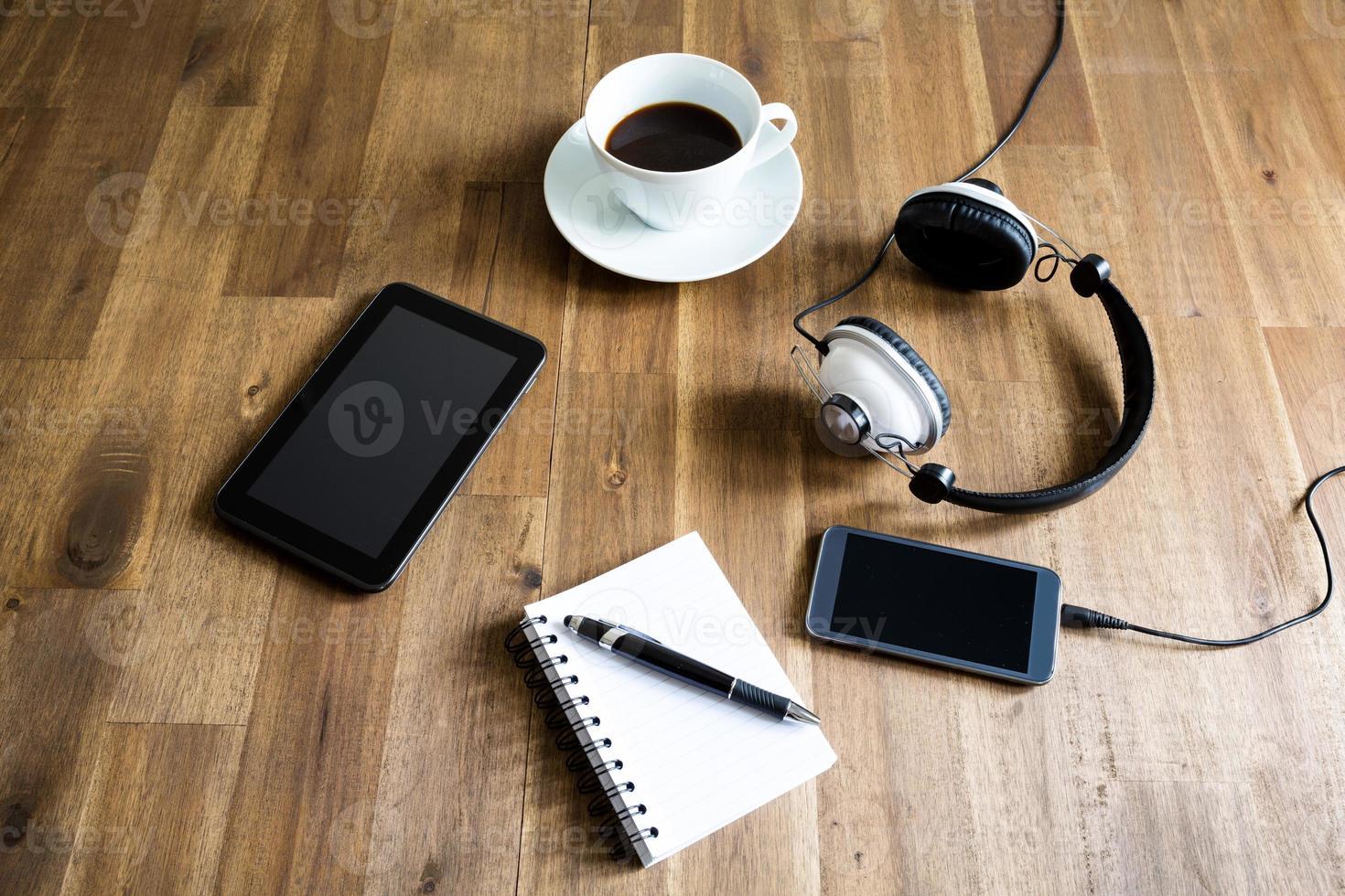 lavorare con il tablet e prendere appunti foto