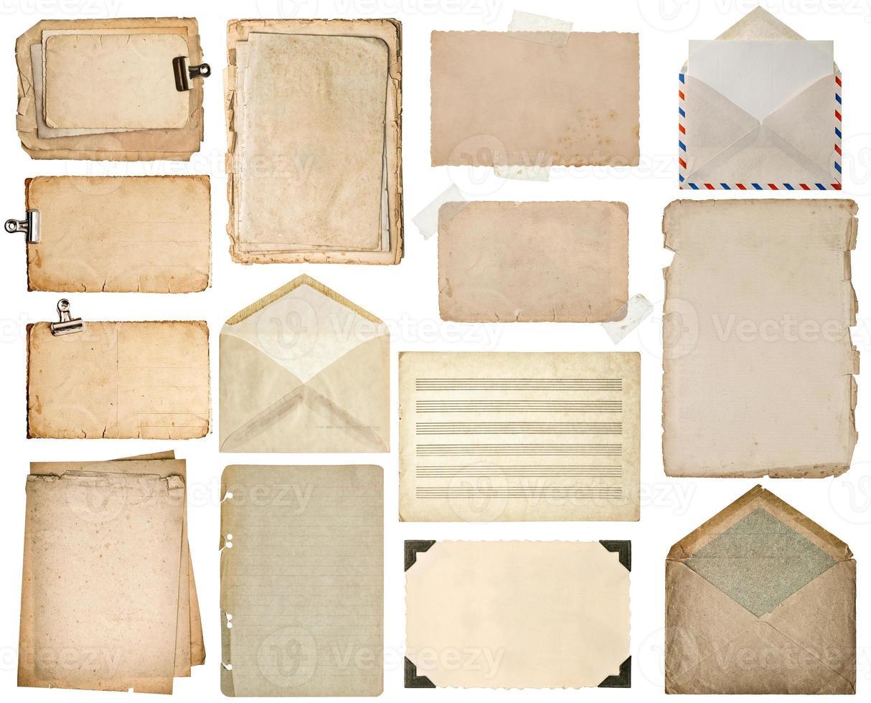 fogli di carta usati. pagine di libri antichi, cartoni, note musicali, buste foto