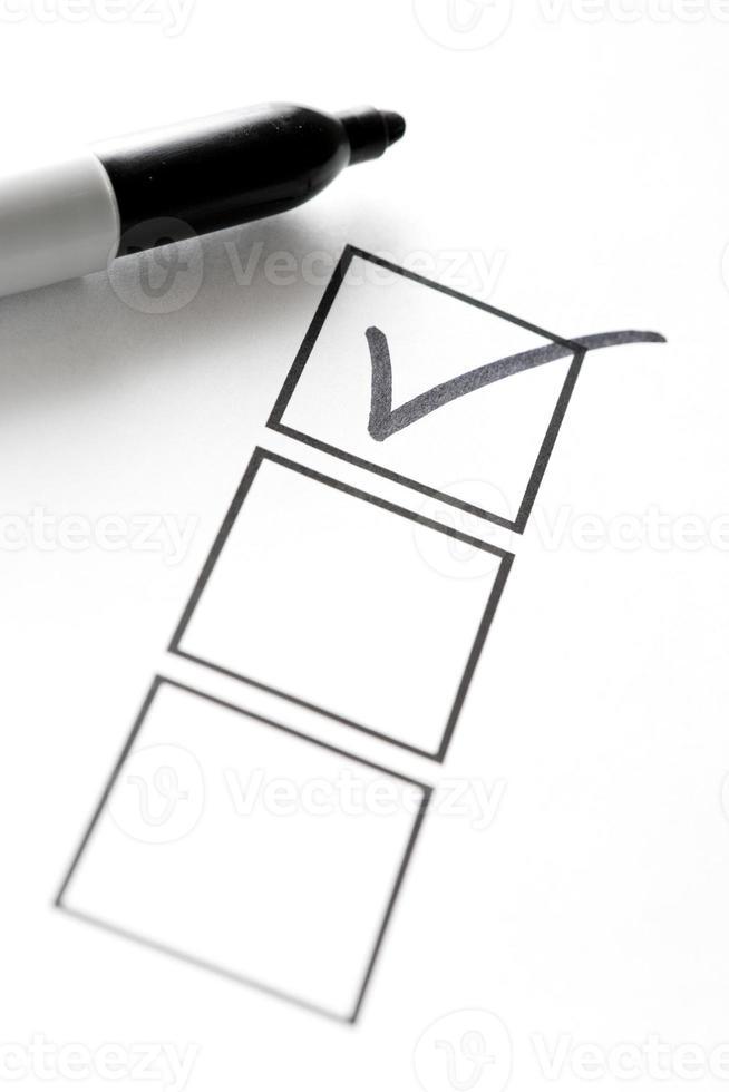 pennarello in feltro con segno di spunta e caselle foto