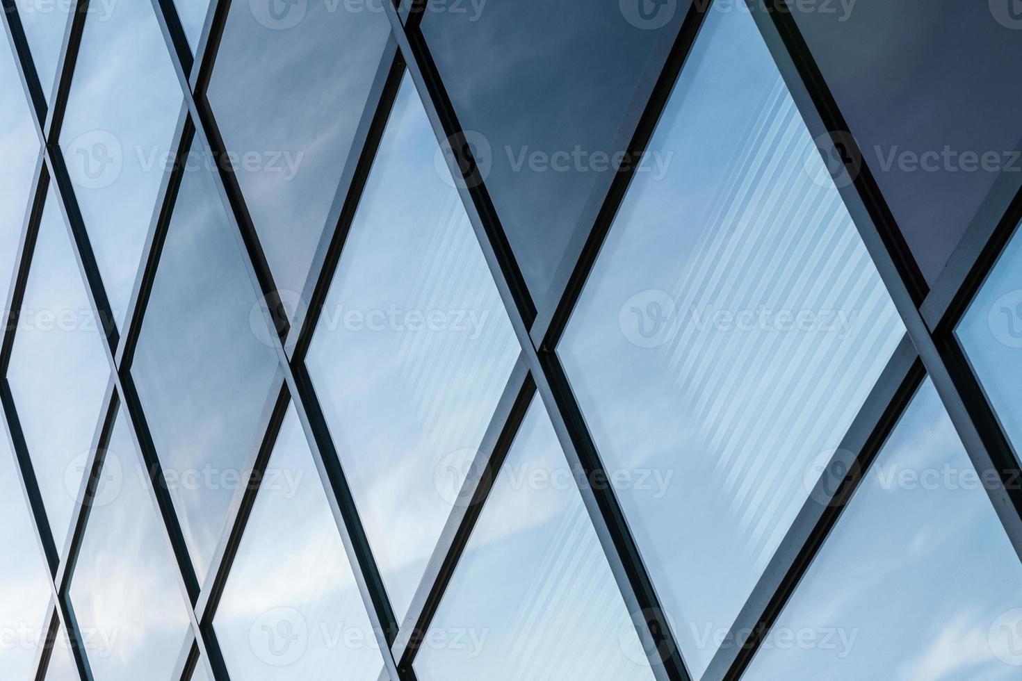 linee architettoniche di un edificio industriale foto