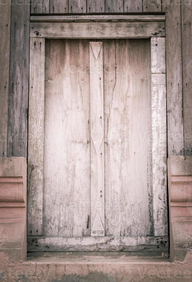 finestra in legno vecchio foto