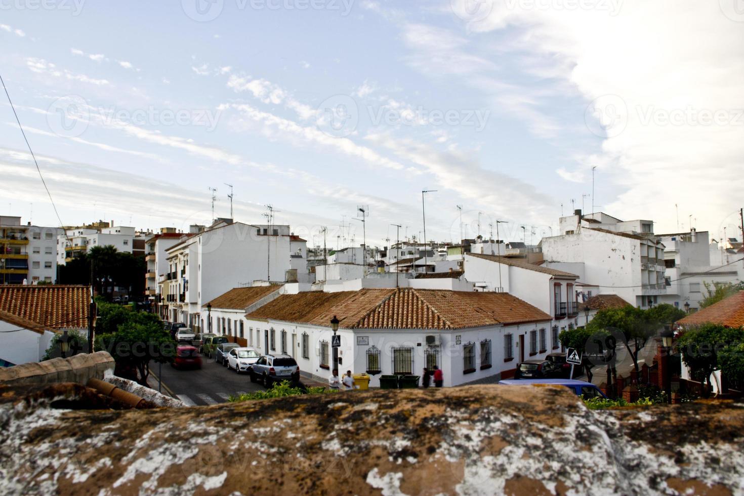 tipico villaggio andaluso bianco foto