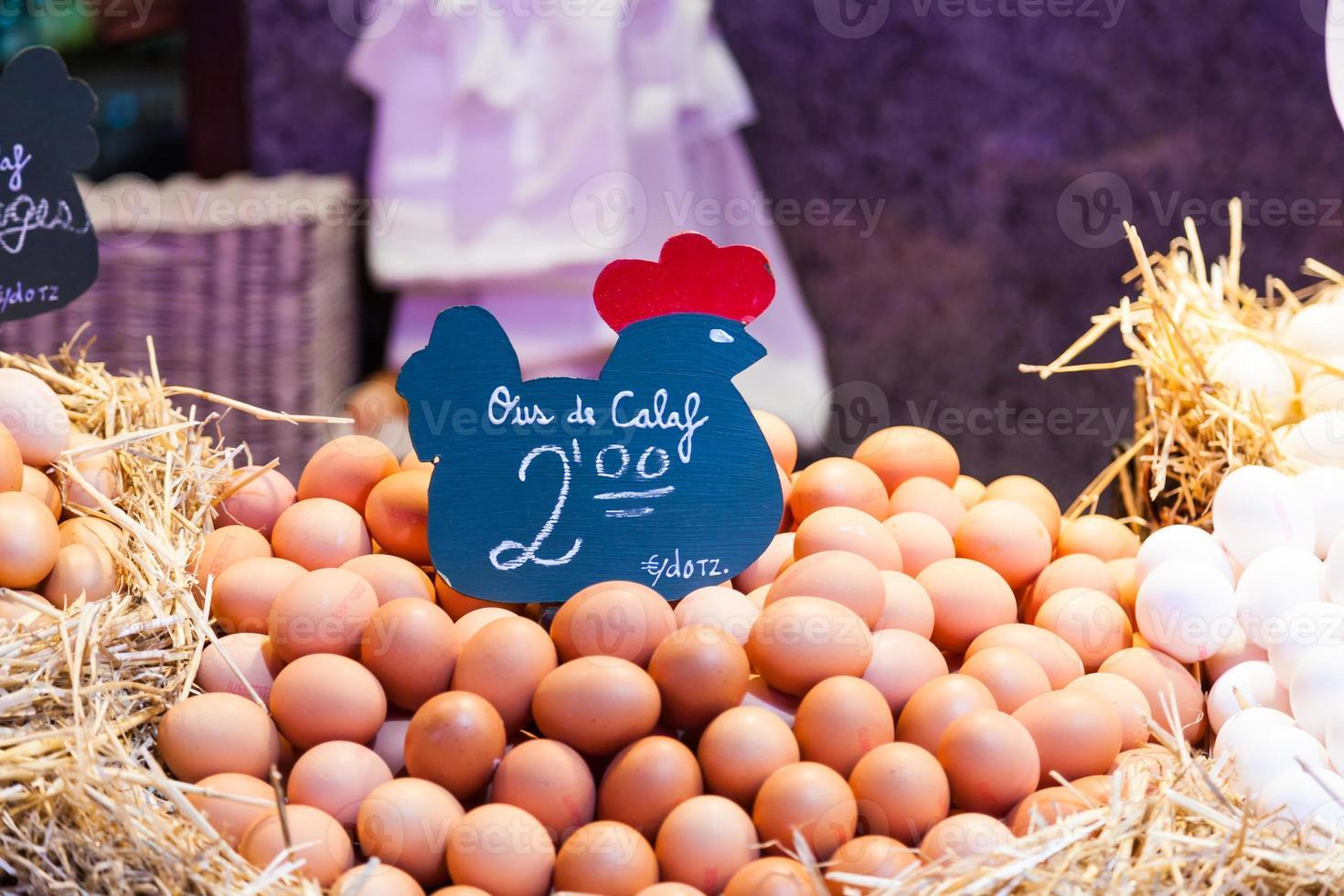 venditore di uova foto