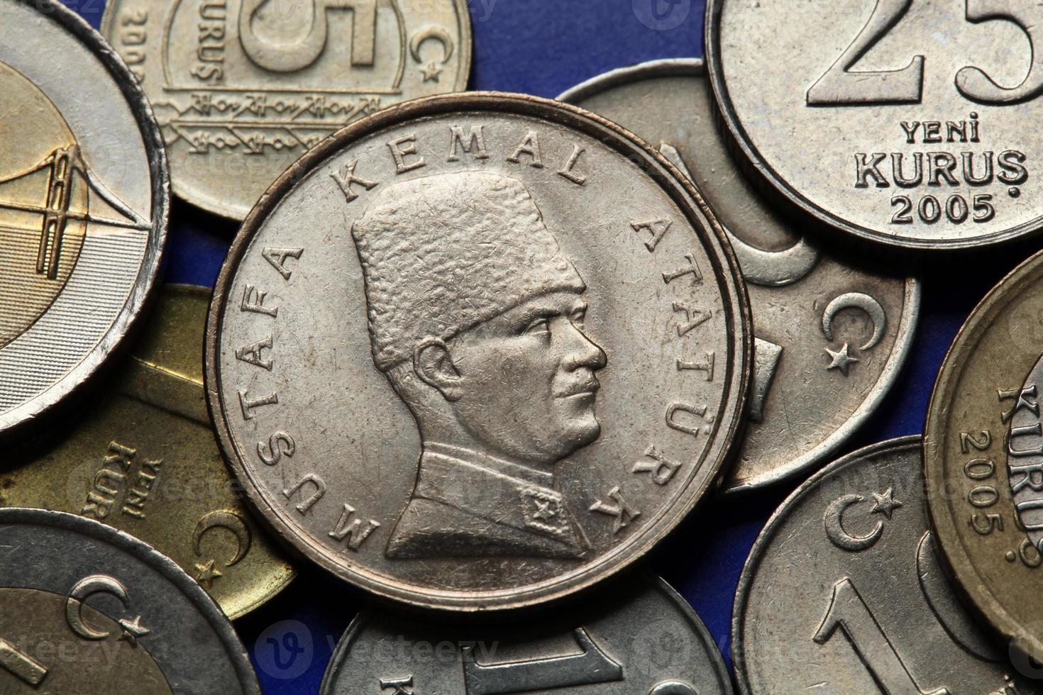 monete di tacchino. mustafa kemal ataturk foto