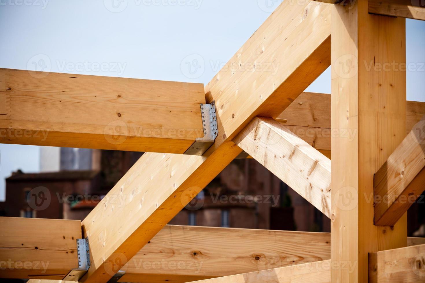 costruzione di una nuova casa in legno foto