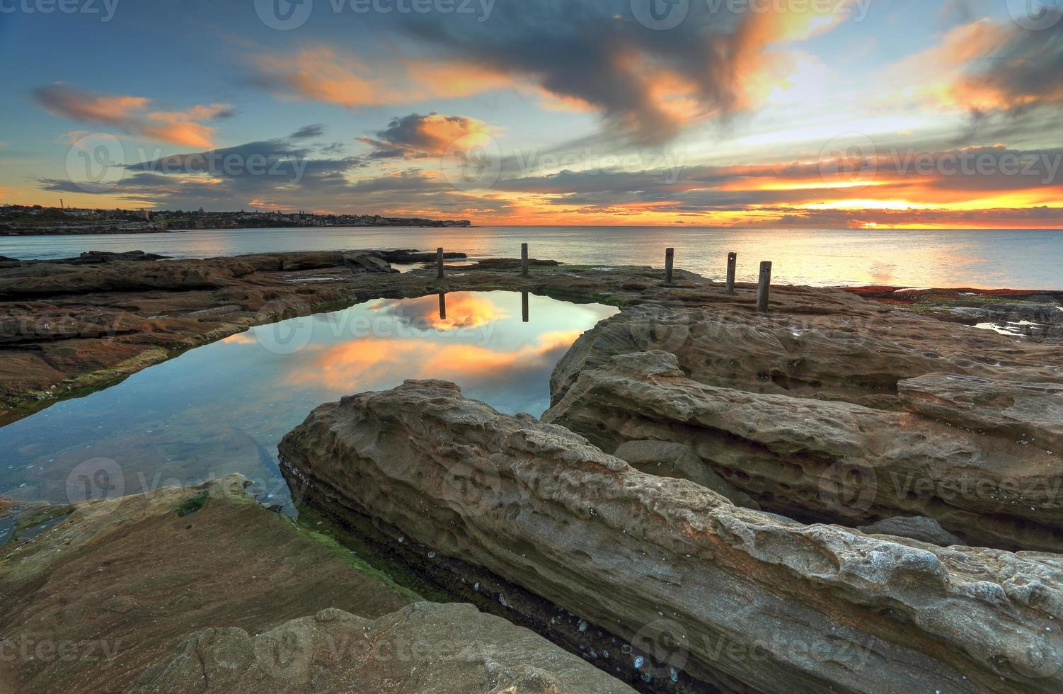 piscina di roccia naturale, South Coogee Australia foto