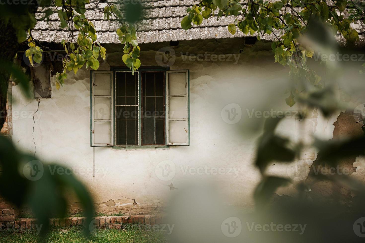 vecchia casa di paese foto
