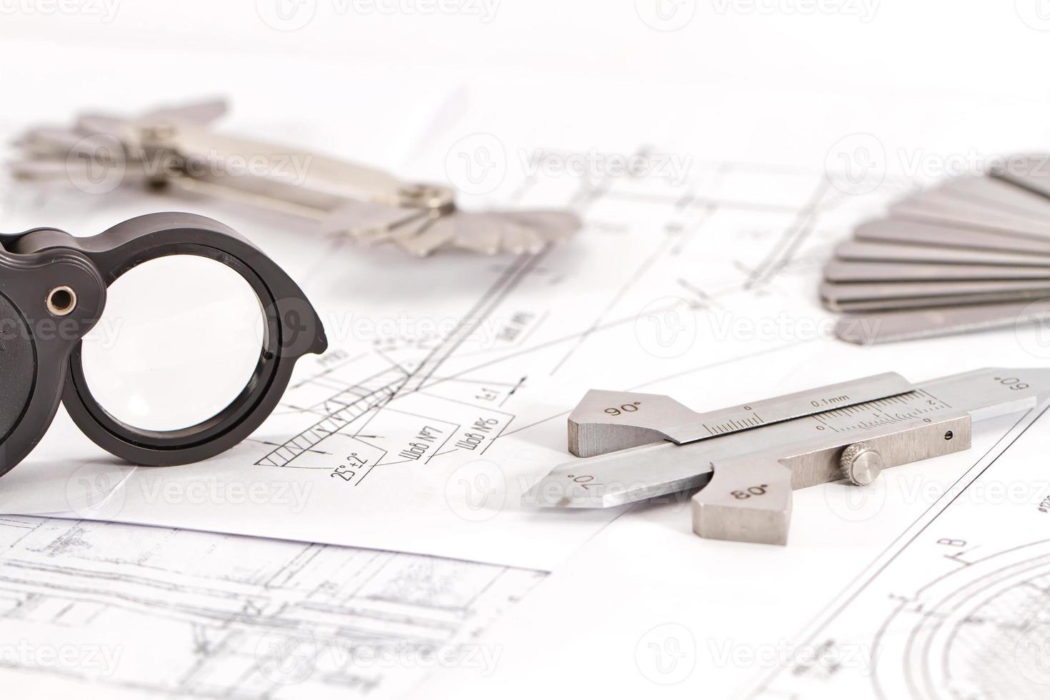 i modelli per il controllo visivo della misurazione si trovano sul tubo di disegno foto