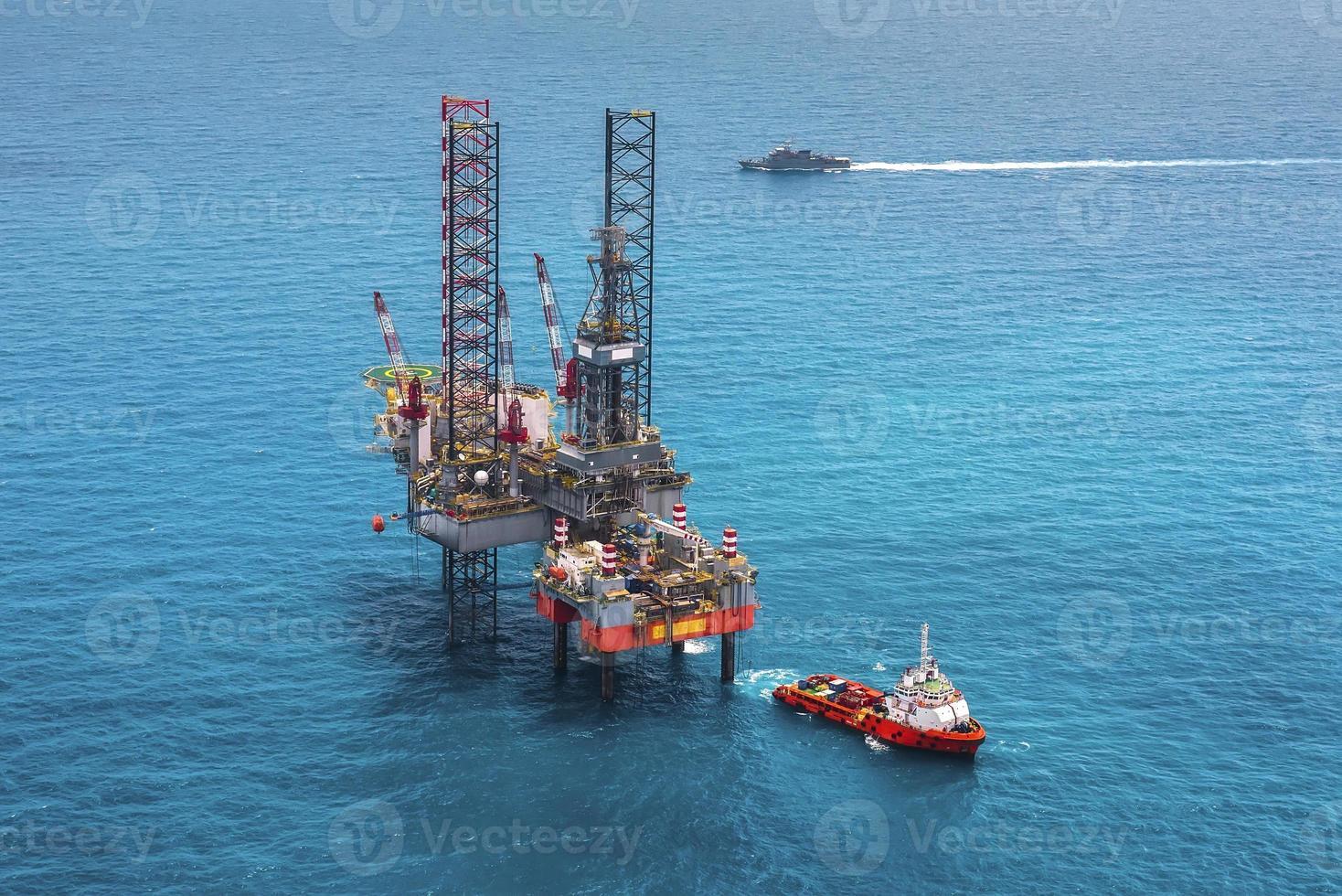 piattaforma di perforazione offshore della piattaforma petrolifera foto