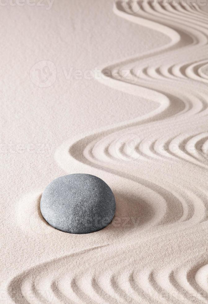 pietra di meditazione zen foto