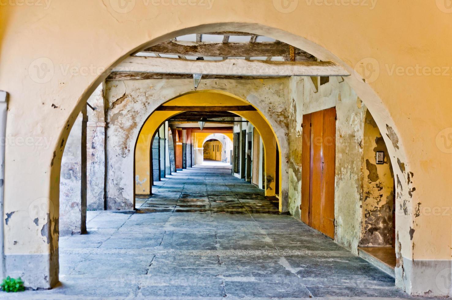 tipico portico italiano foto