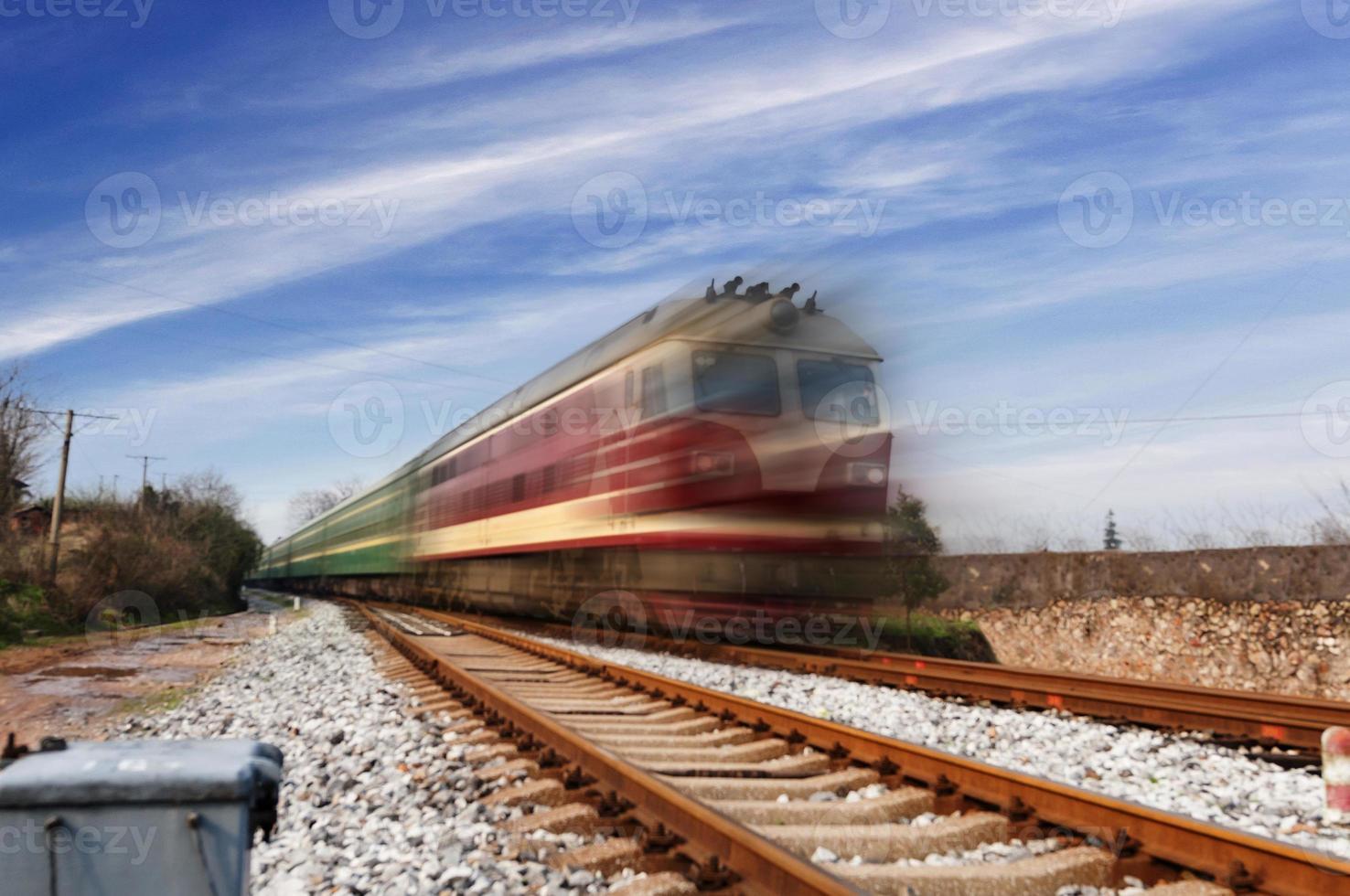 ferrovia in avanti foto