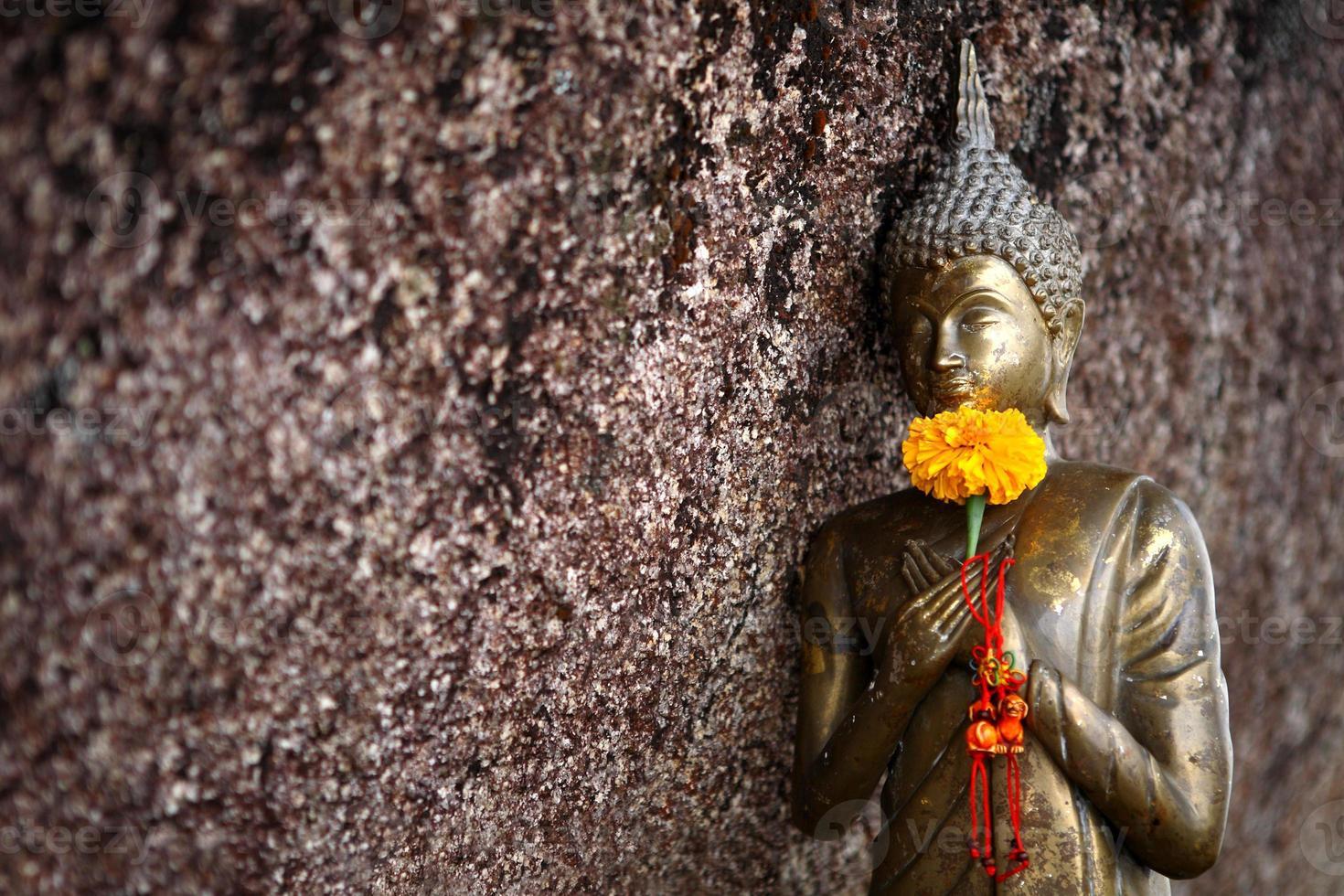 piccola statua di buddha foto