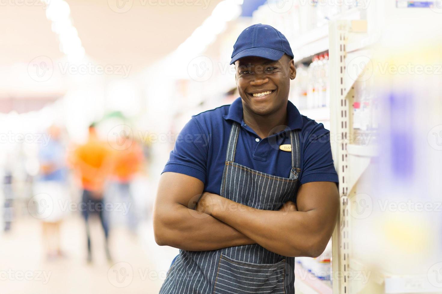 ritratto africano del lavoratore del supermercato foto
