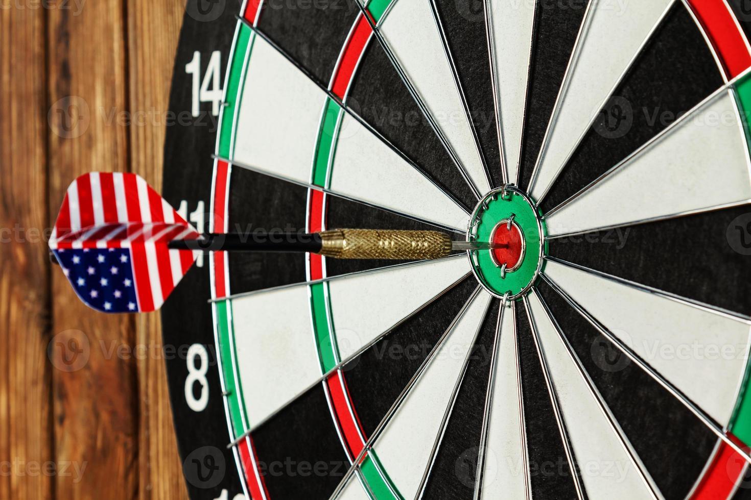 dardo in un bullseye foto