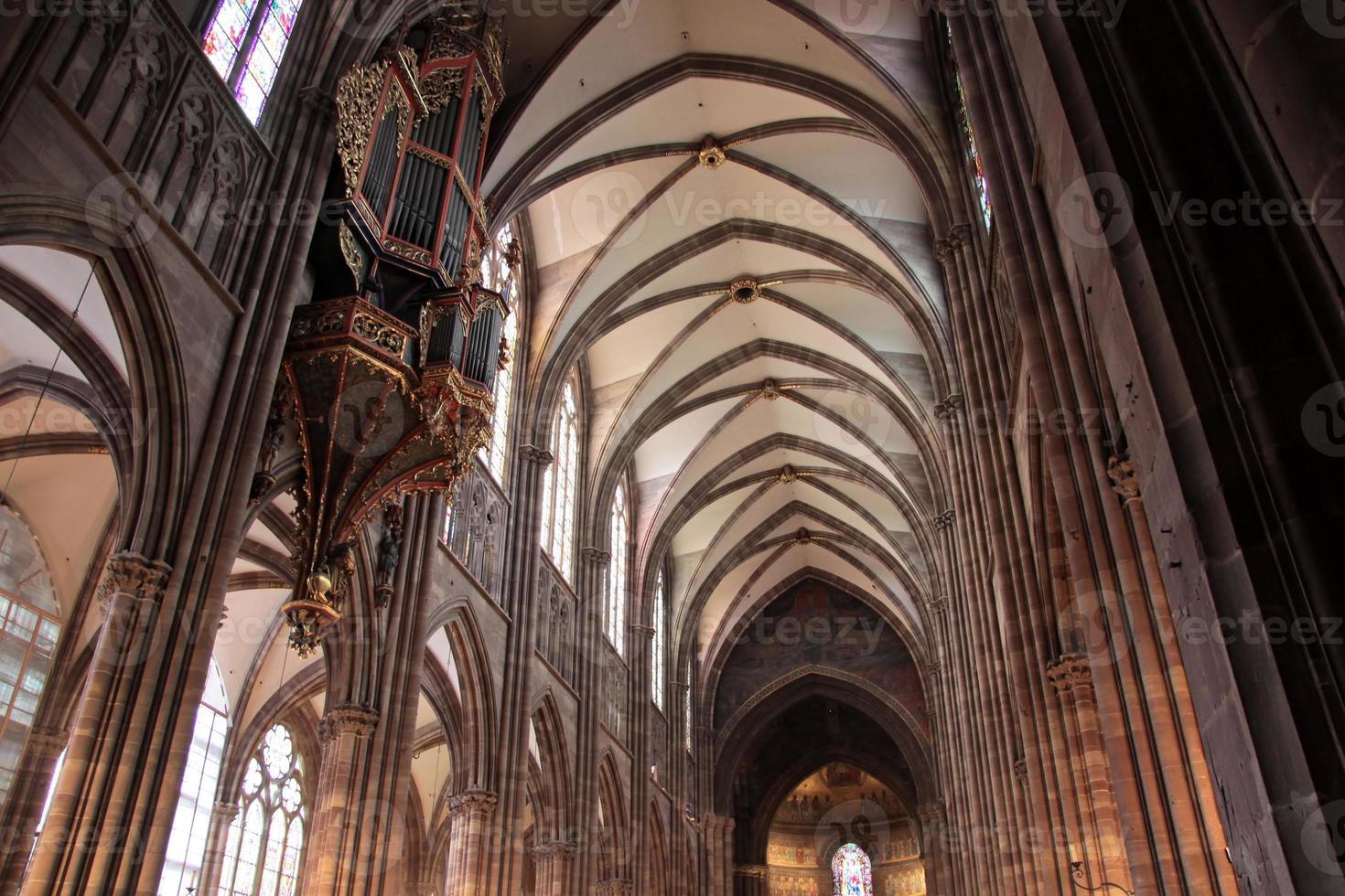 navata della cattedrale di strasburgo foto