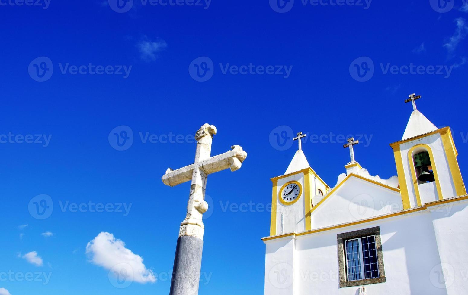 chiesa portoghese nella regione dell'Alentejo foto