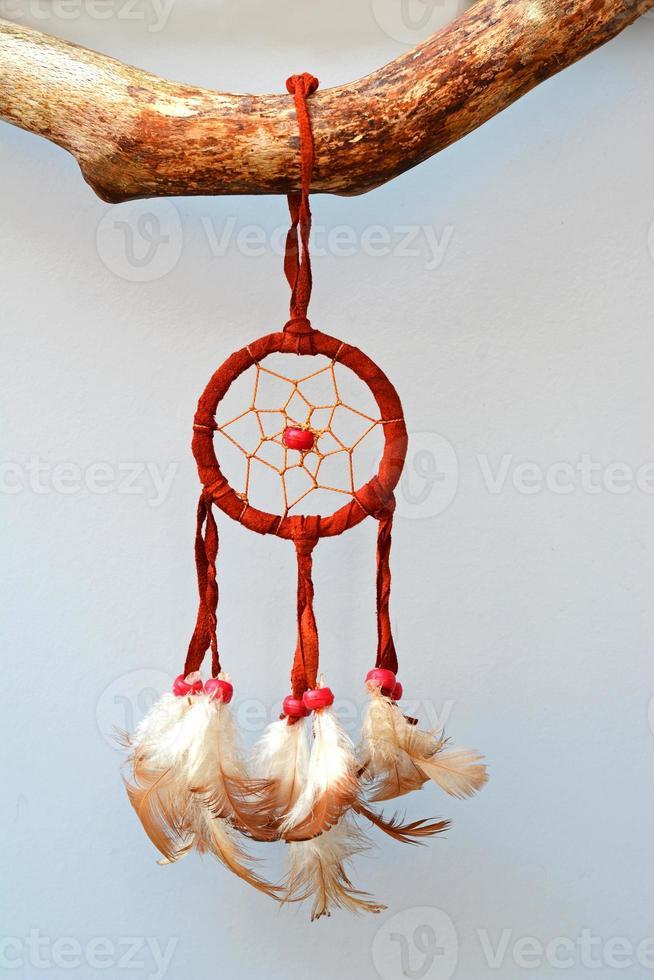 ramo con un acchiappasogni in stile indiano foto