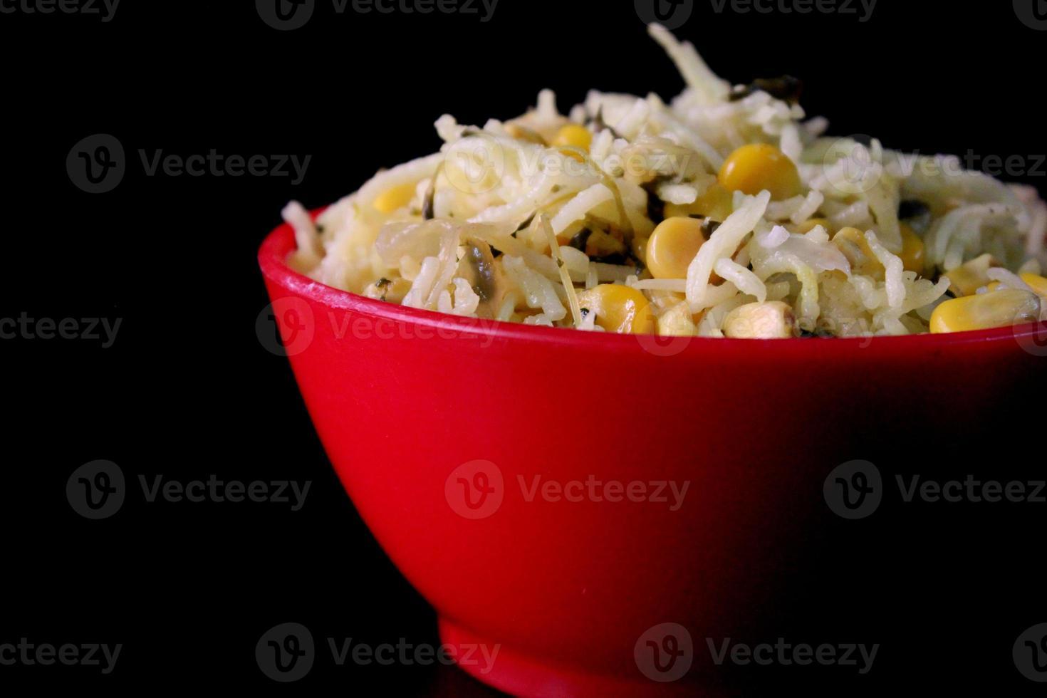 ciotola di riso cotto / pulao foto