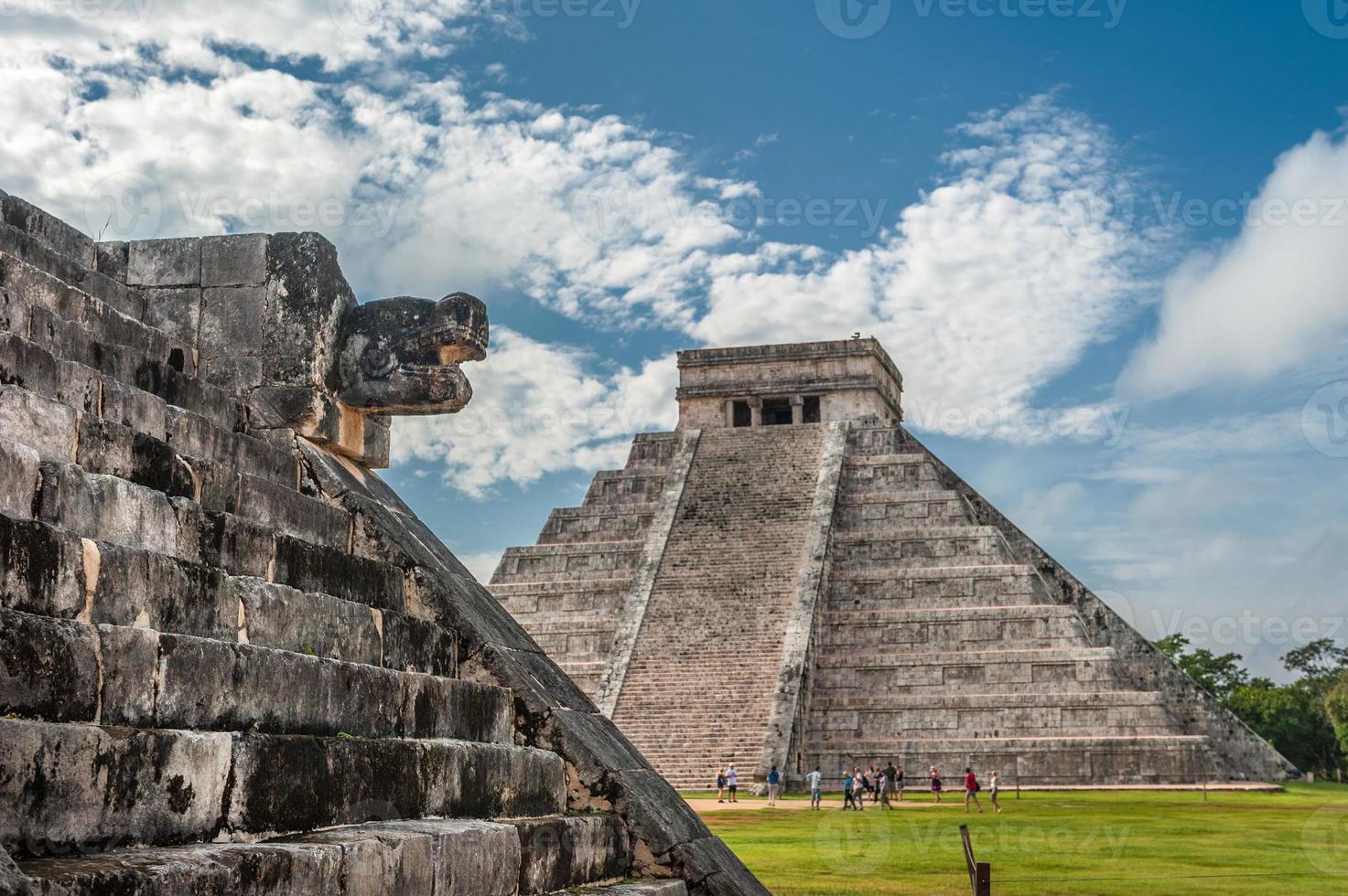el castillo o tempio della piramide di kukulkan, chichen itza, yucatan foto