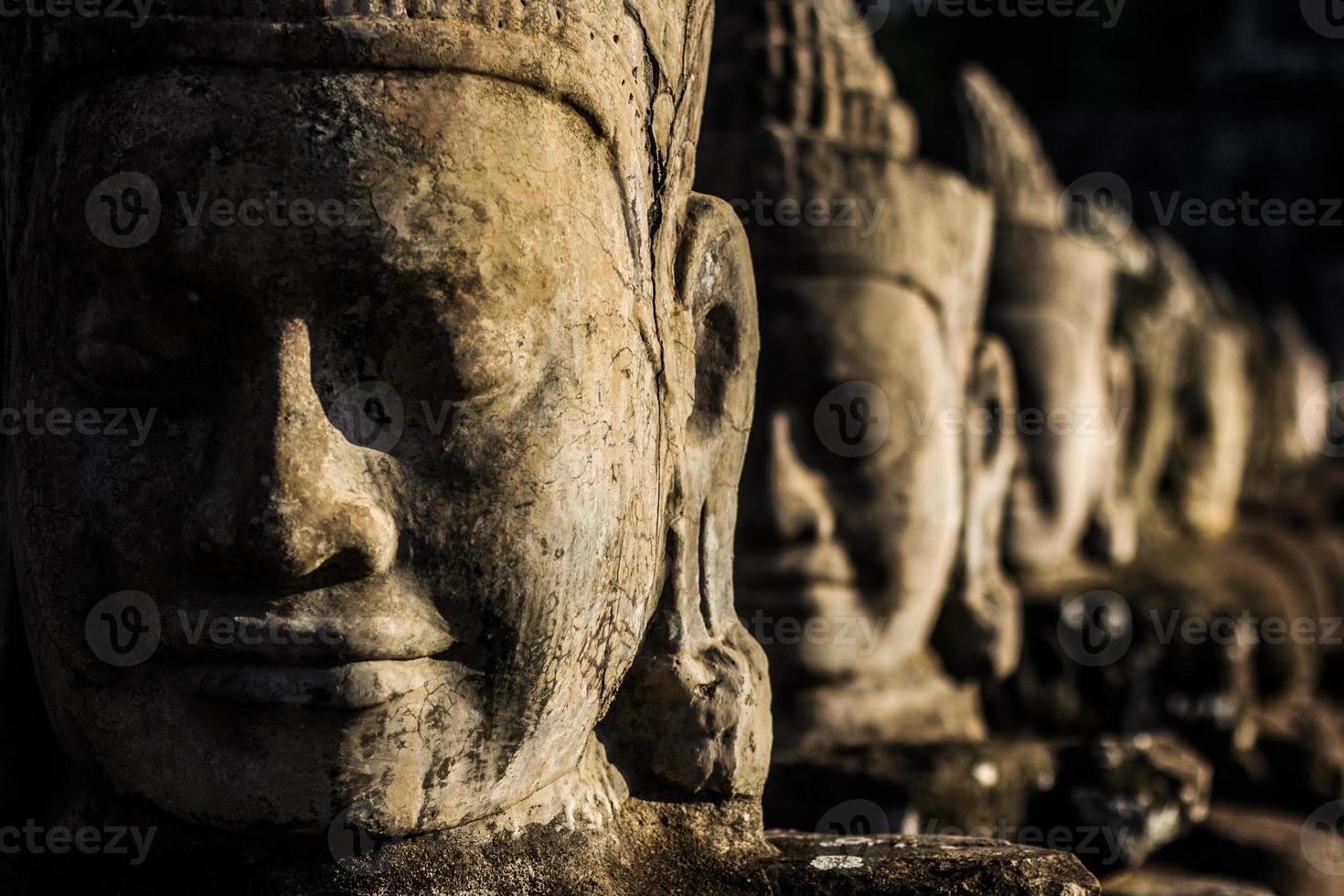 teste di Angkor foto