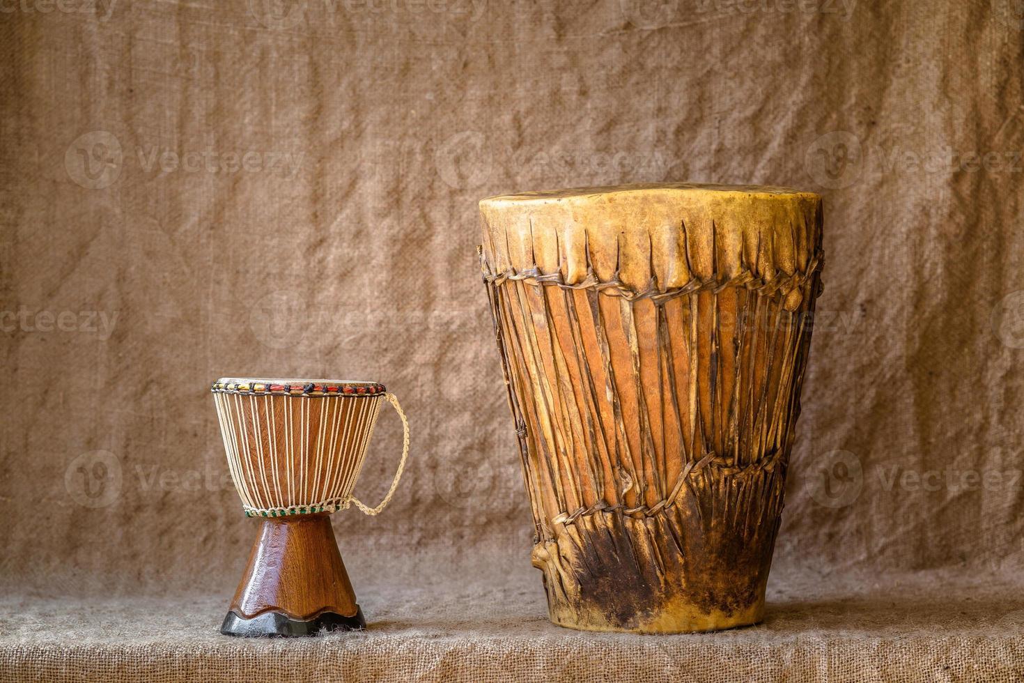 strumenti a percussione in legno foto