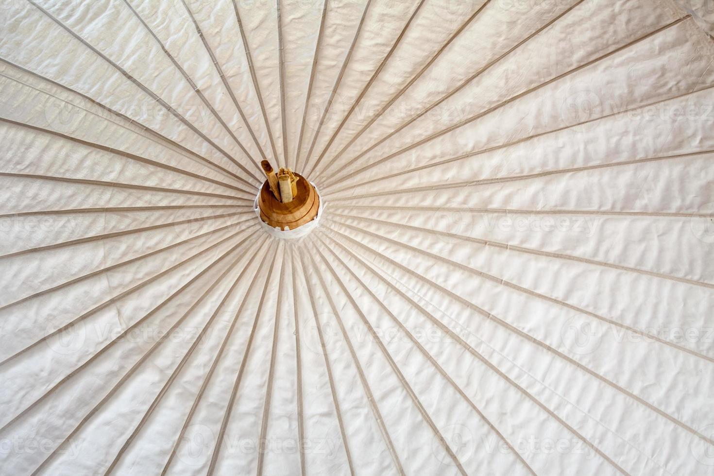 ombrello fatto di carta / tessuto arti e mestieri foto