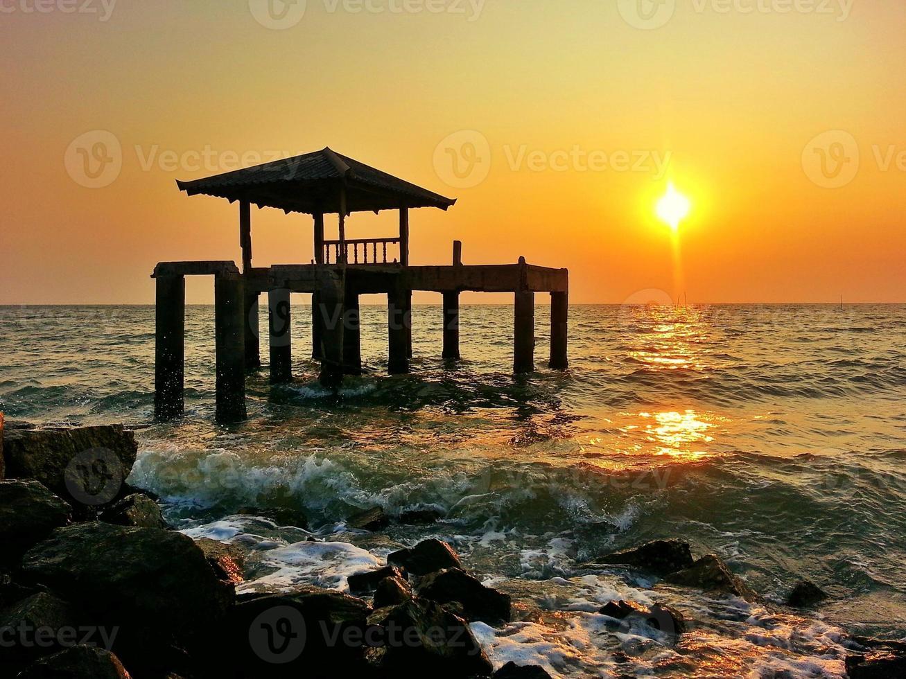 il padiglione in riva al mare foto