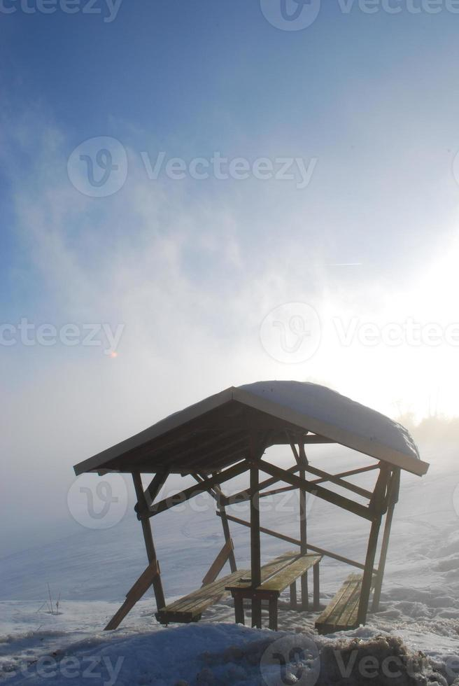 wanderhütte im schnee foto