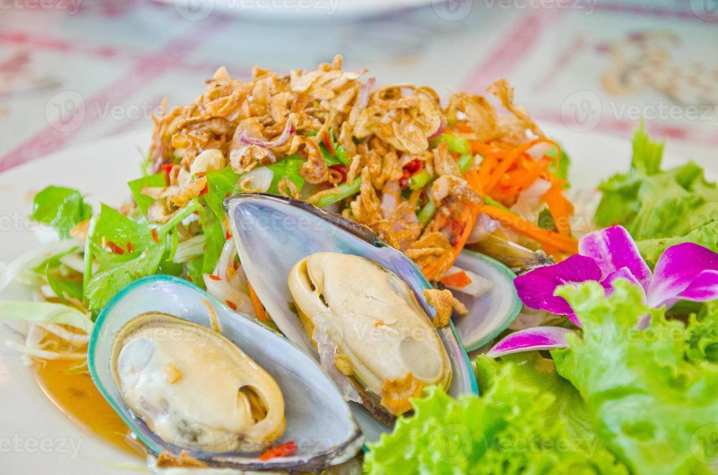 insalata tailandese della cozza del mare della Nuova Zelanda di stile foto