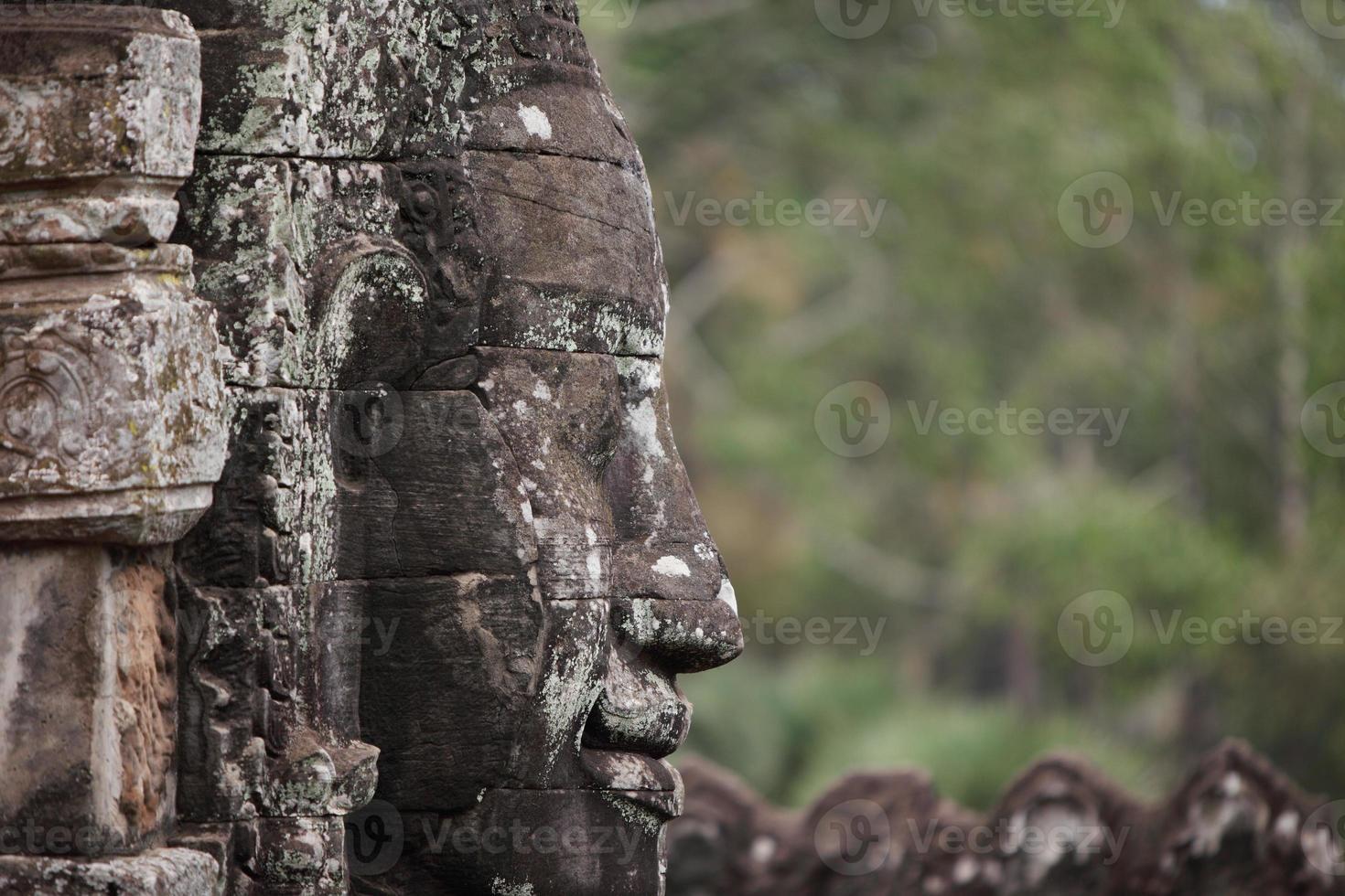 faccia di buddha ad angkor wat foto
