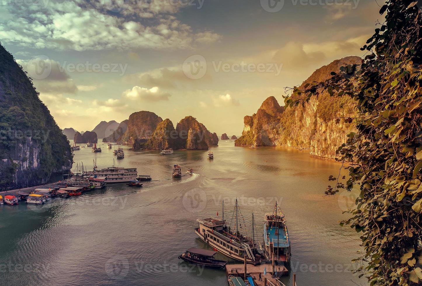 ah, lunga baia, Vietnam. foto