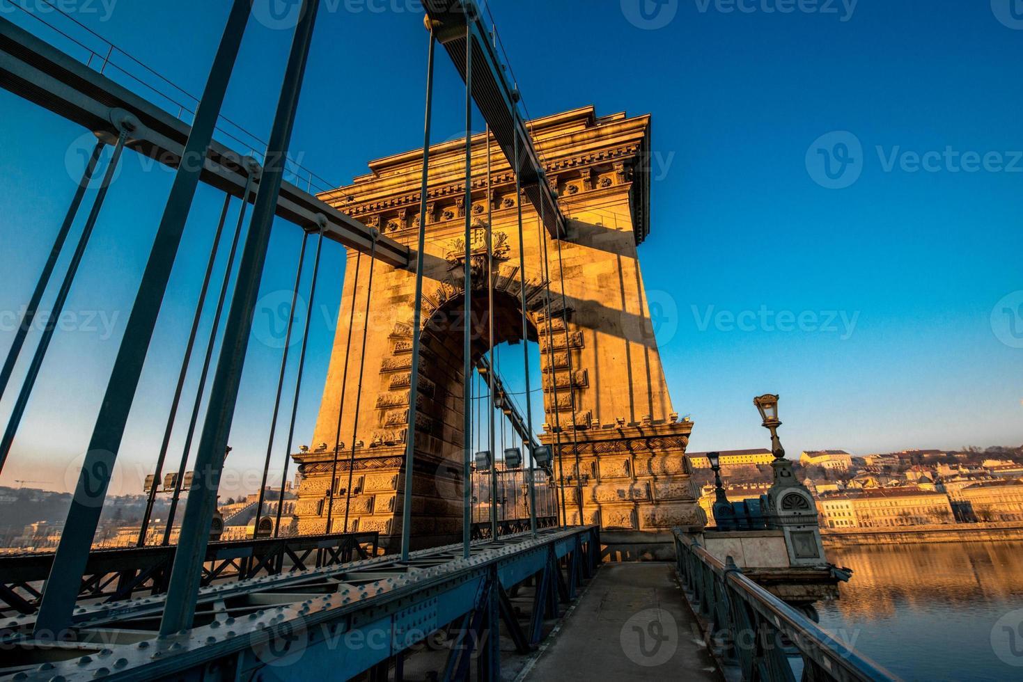 ponte delle catene di Szechenyi foto