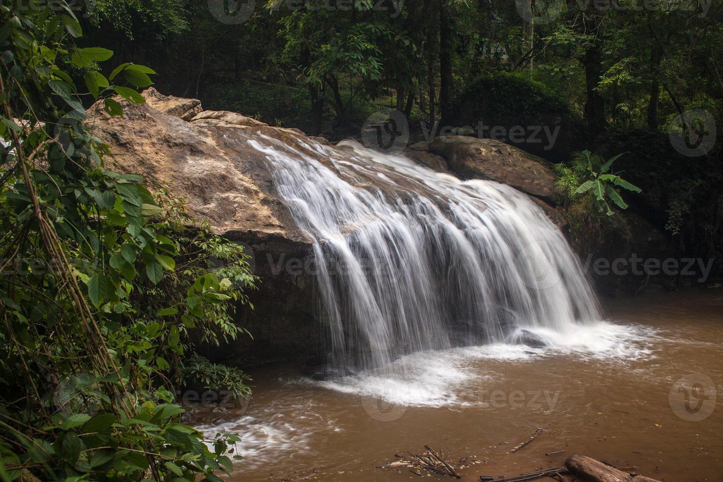 cascata vicino a Chiang Mai foto