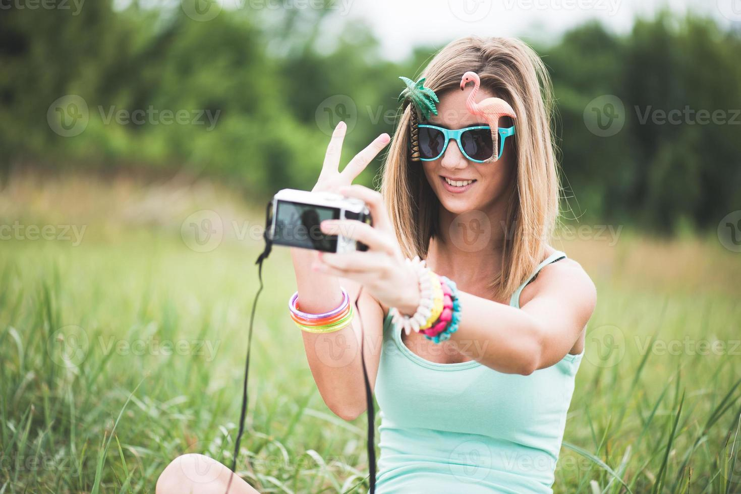 gente del festival che prende autoritratto foto