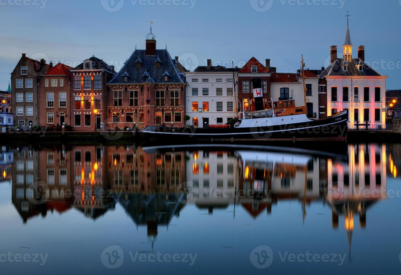 Townscape storico di Maassluis foto