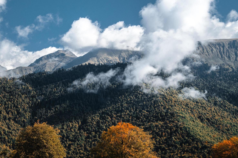 le montagne del Caucaso in krasnaya polyana, russia foto