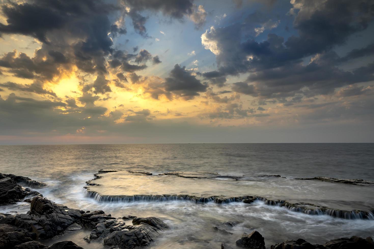 tramonto in spiaggia foto